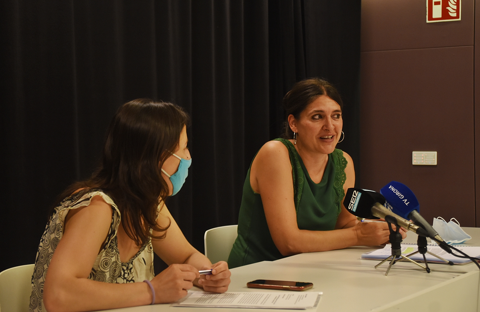 La regidora de Salt Marta Guillaumes pren el relleu de la Laia Pèlach com a diputada de la CUP a la Diputació de Girona